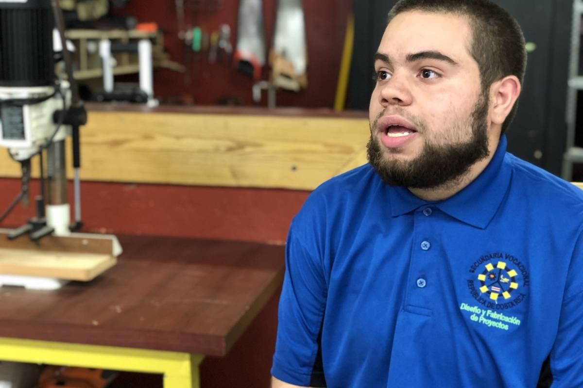 Jomar Rivera Rivera, estudiante y socio de Ébano Coop/ Foto: David Cordero Mercado