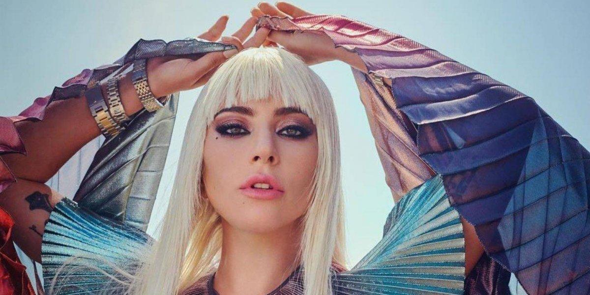 Lady Gaga anuncia que está comprometida