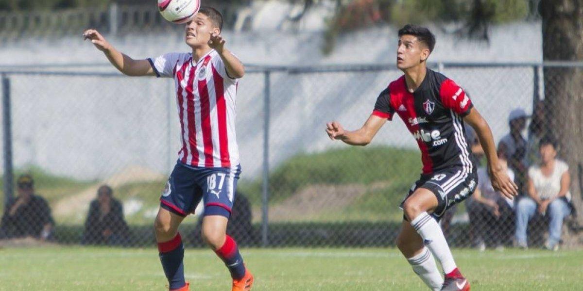 """Jóvenes """"joyas"""" de Chivas tendrán su oportunidad... si se la ganan"""