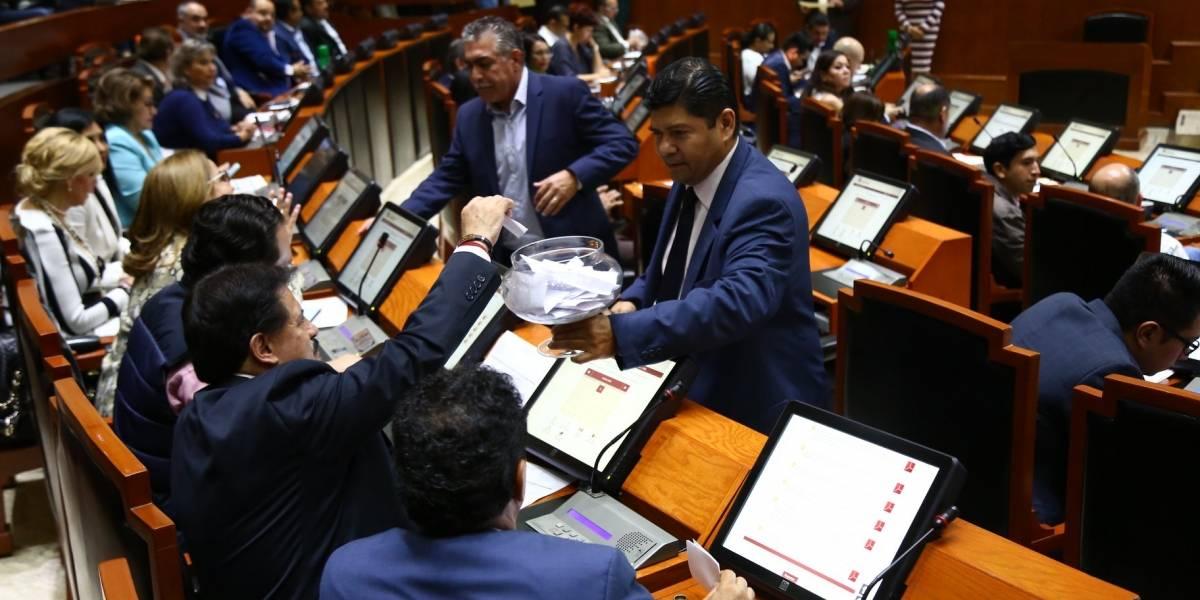 Entre polémicas, sacan los pendientes del Legislativo