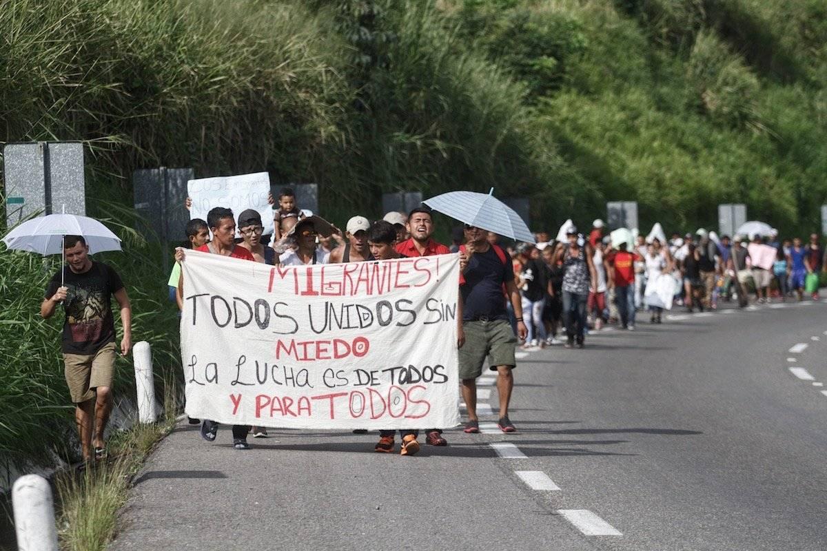 Caravana migrante cerca de la frontera entre México y Guatemala Foto: Cuartoscuro