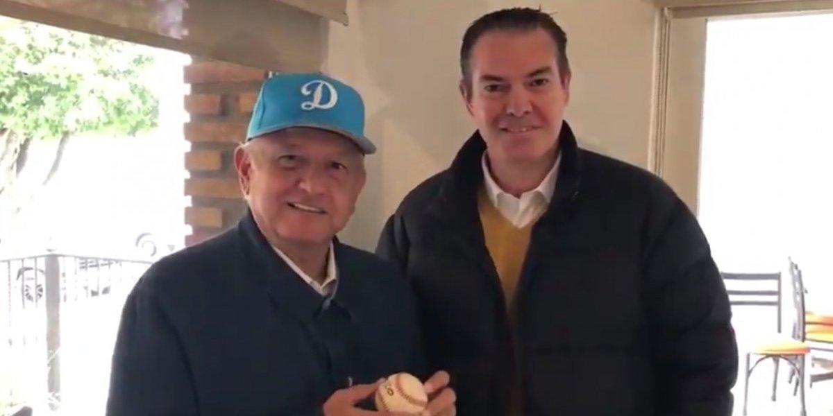 AMLO se reunió con el 'Rocket' Valdéz y reiteró su apoyo a Dodgers en playoffs