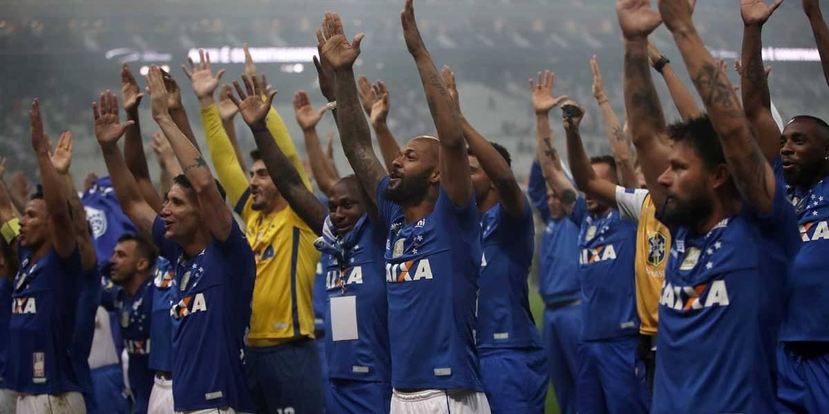 Com participação do VAR, Cruzeiro bate o Corinthians e conquista o hexa