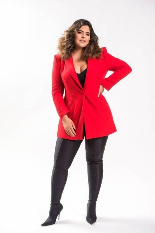 Denise Bidot cosecha éxito con su talla grande