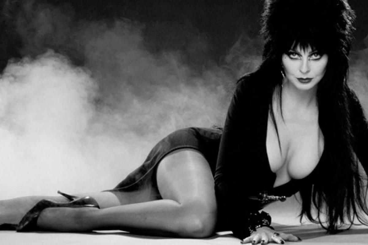 Elvira, el gran ícono de los ochenta llega a Mundo Bizarro