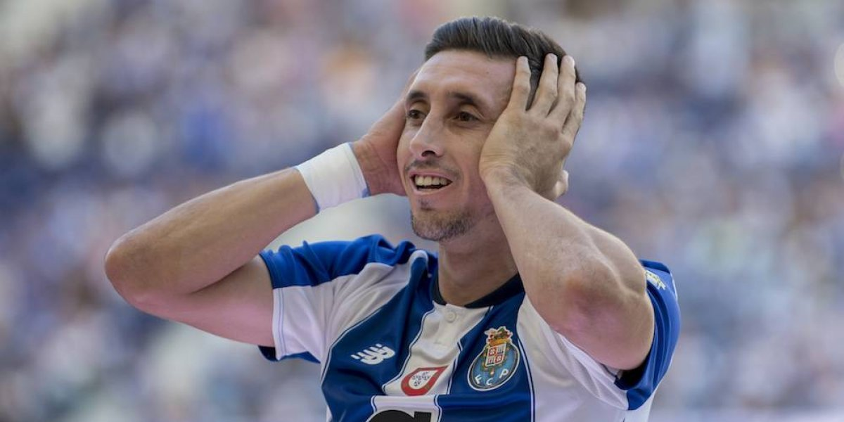 VIDEO: Héctor Herrera le anota al Lokomotiv en Champions League