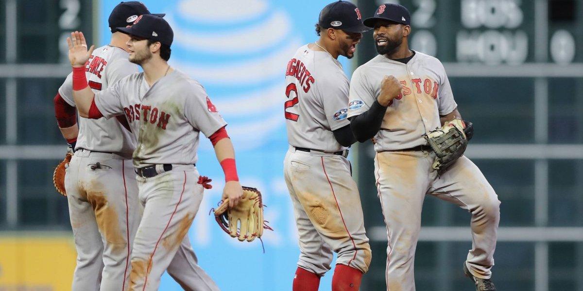 Red Sox vence a los Astros y acaricia la Serie Mundial