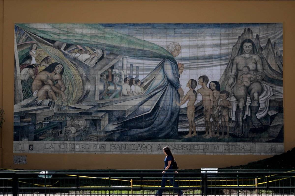 "Mural ""Homenaje a Gabriela Mistral"""