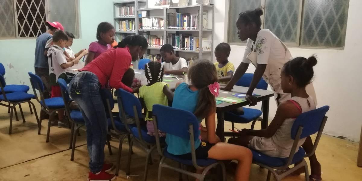 La biblioteca que 'da luz' a niños del oriente de Cali