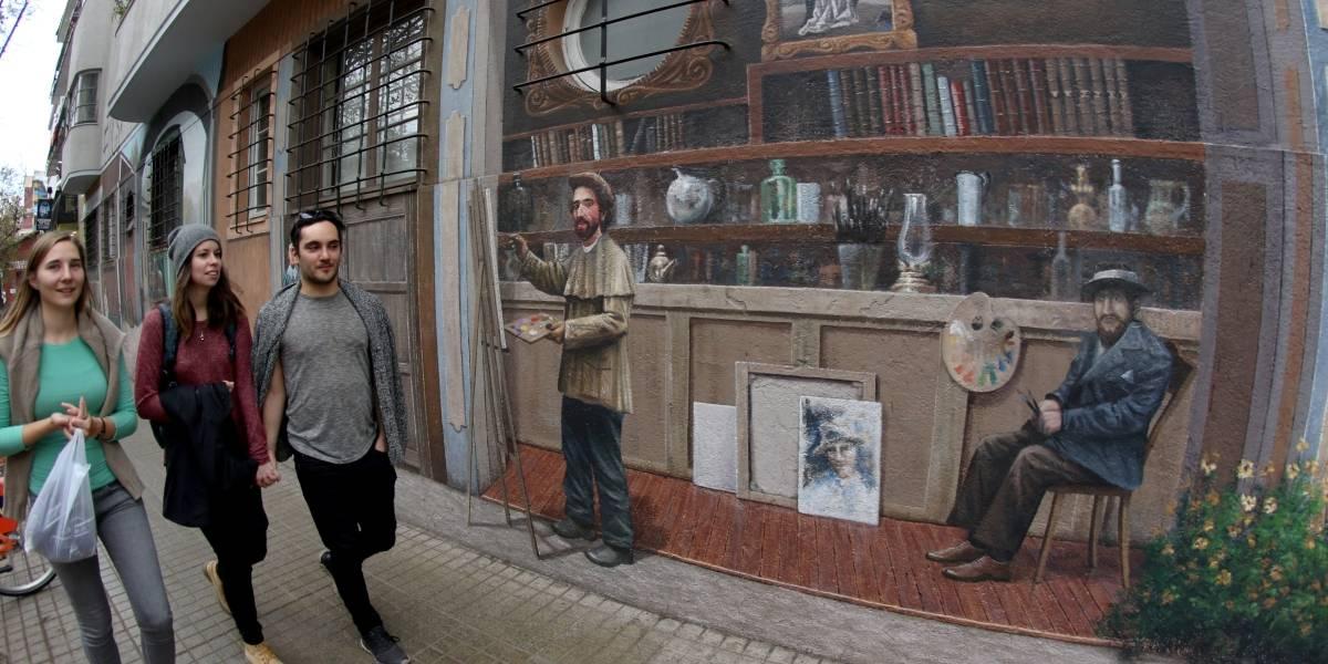 """Cuando la ciudad explota de color: Los """"mejores"""" e imperdibles murales que ofrece Santiago"""