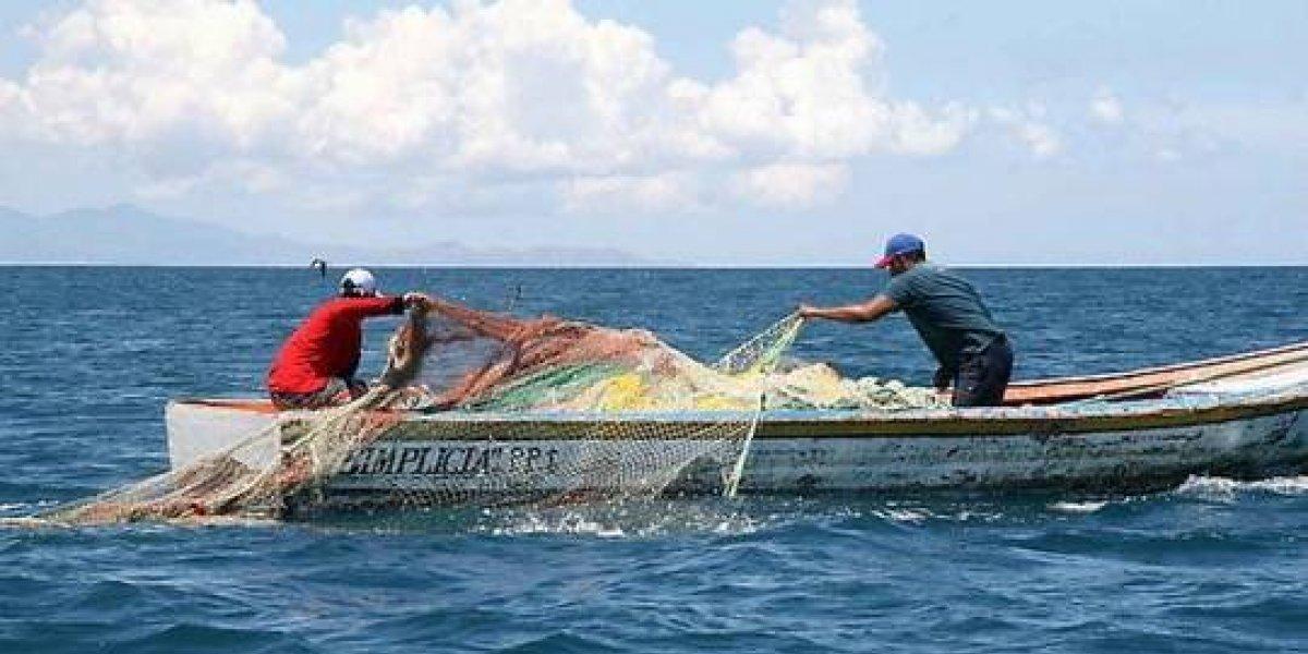 Mirex gestiona auxilio a pescadores retenidos en Bahamas