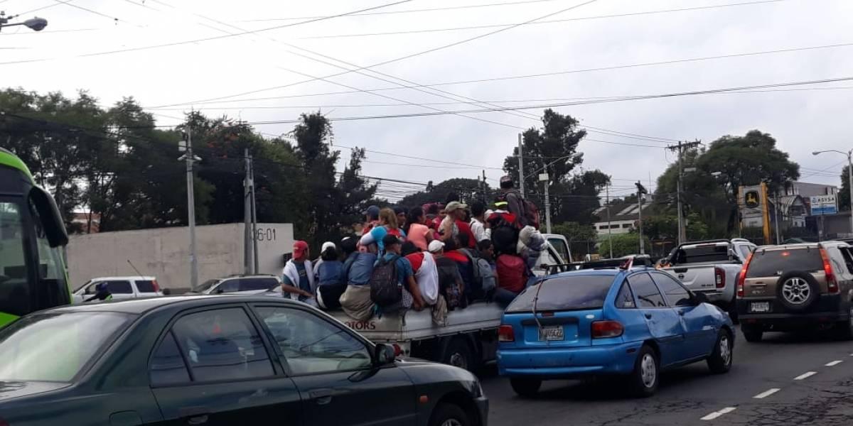 Diferentes opiniones por acciones de la PMT ante vehículos sobrecargados de migrantes