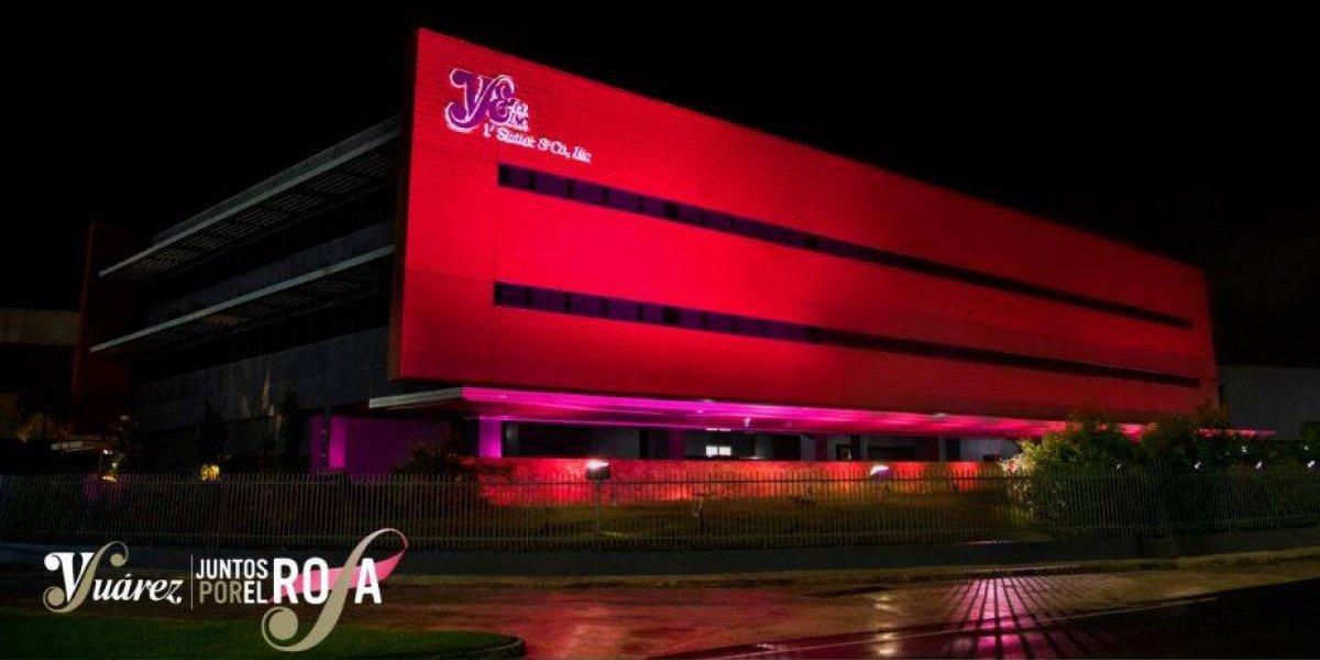 V. Suárez & Co., Inc se enciende de Rosa por el Cáncer de Seno