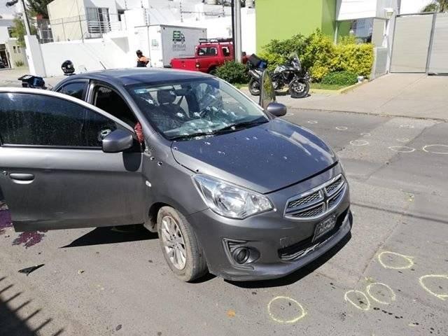 Atacan a tres personas en el ingreso alterno a Ciudad Bugambilias