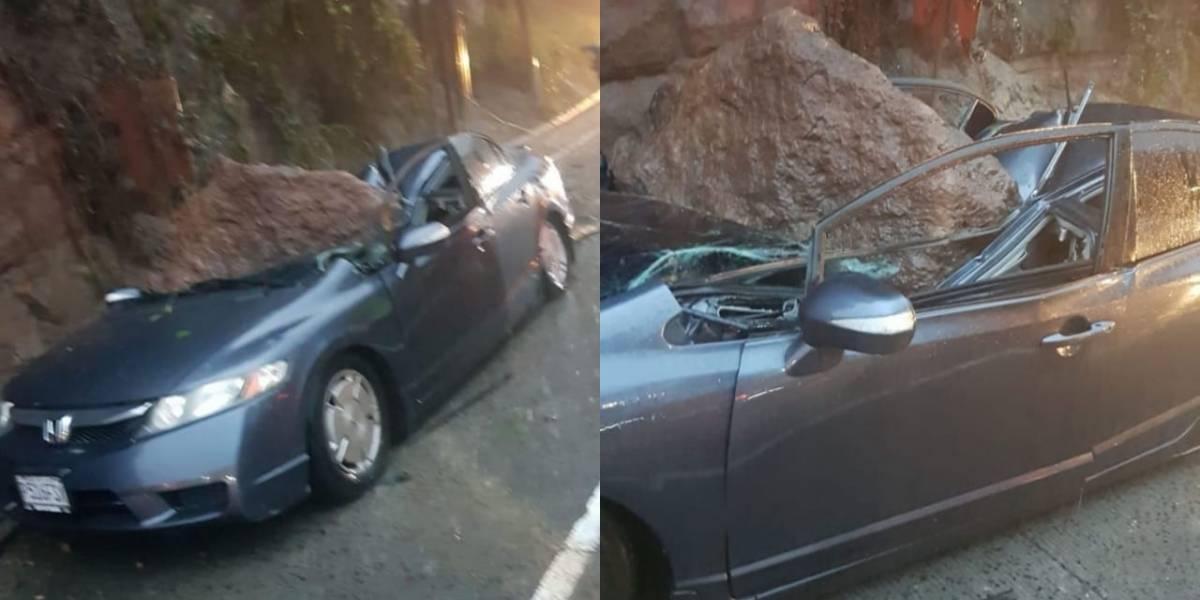 Roca cae sobre vehículo en Villa Lobos y conductor fallece