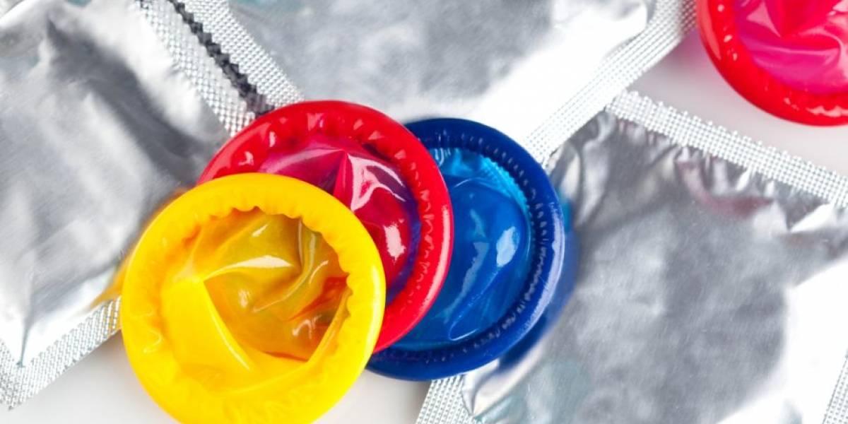 Científicos diseñan un condón especial que se autolubrica al usarse