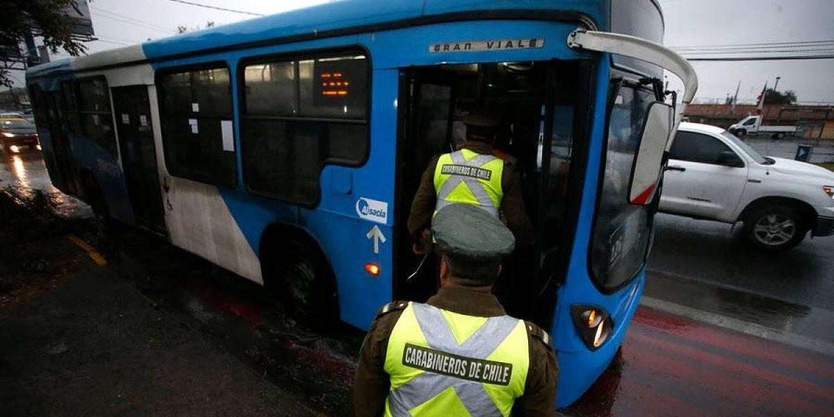 """Ya murió la peor empresa del Transantiago: """"funeral"""" incluye desaparición de buses celestes desde este martes"""
