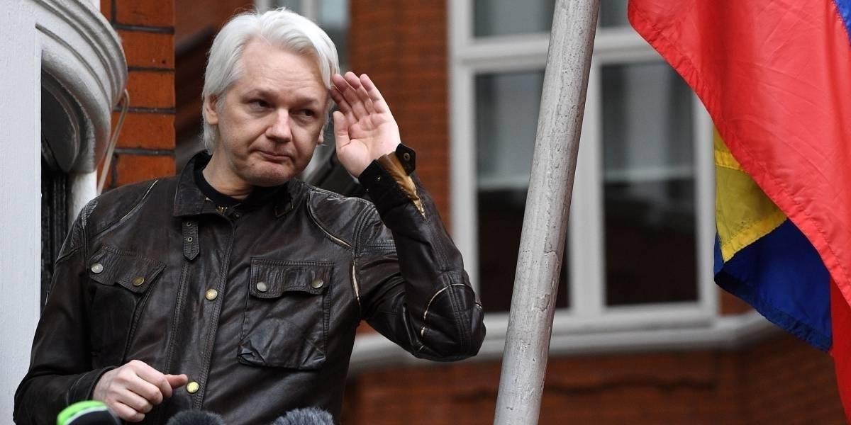 Se tensan las relaciones: Anuncian demanda de Assange contra el gobierno de Ecuador