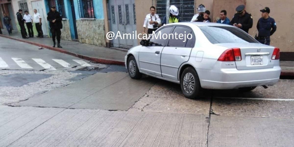 Disparan contra ocupantes de vehículo en la zona 6