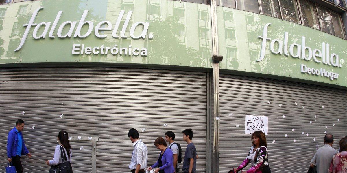 Inversionistas extranjeros y las AFP como protagonistas: Así terminó la subasta de más de 70 millones de acciones de Falabella