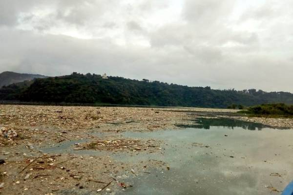 basura en el lago de Amatitlán