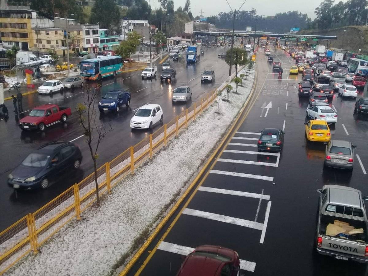 Lluvia y granizo en Quito Metro Ecuador