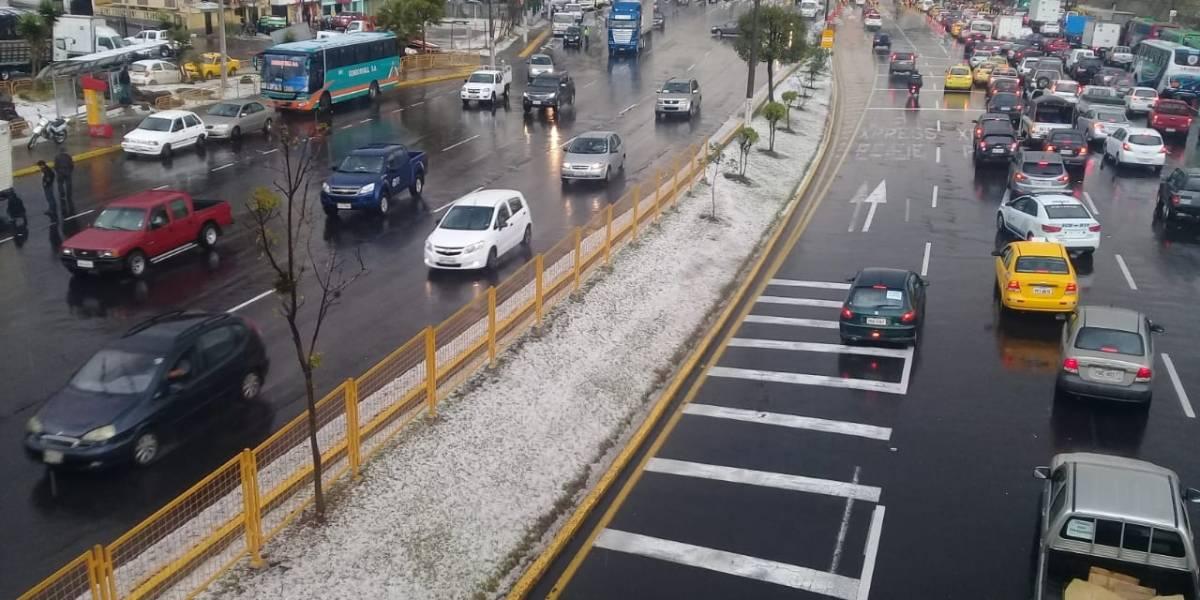 FOTOS: Lluvia y granizo en varios sectores de Quito