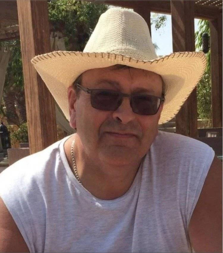 Va de vacaciones a Egipto y lo regresan sin corazón y riñones