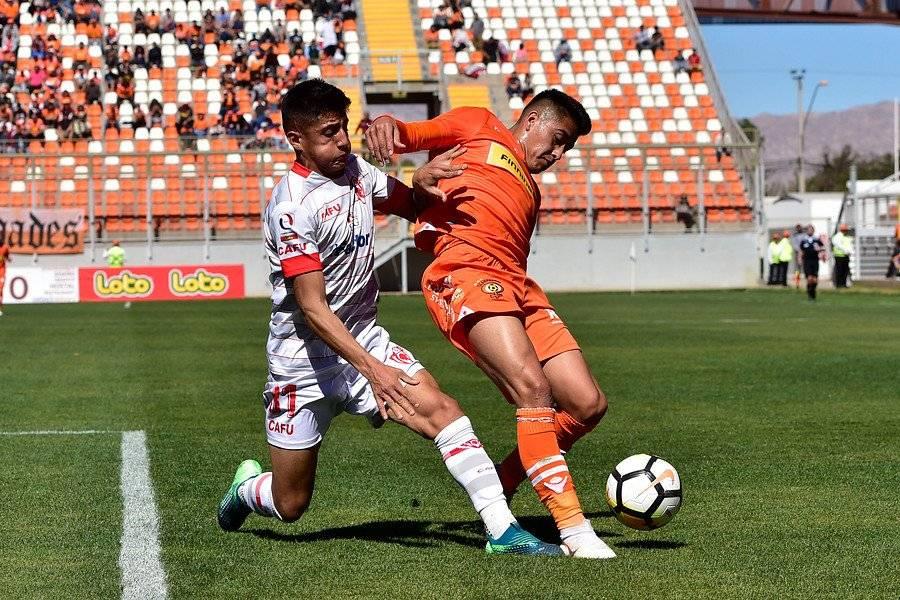 Lukas Soza, en Deportes Copiapó, es uno de los cedidos de la UC en la temporada 2018 con más minutos disputados / Foto: Photosport