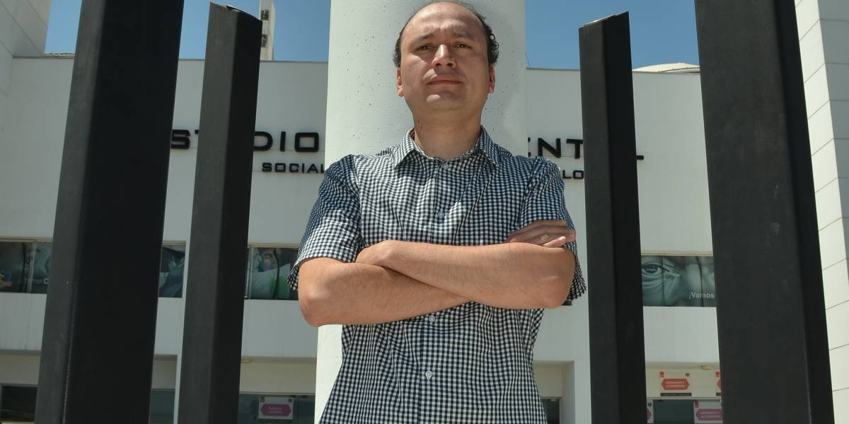 """Presidente del CSD Colo Colo: """"Las salidas de Ruiz-Tagle y Vial confirman que querían tener el control absoluto de ByN"""""""