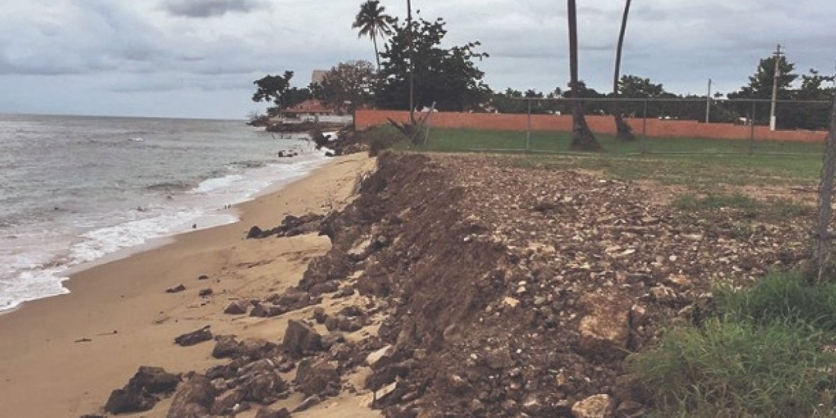 Construcciones en la costa no se detienen