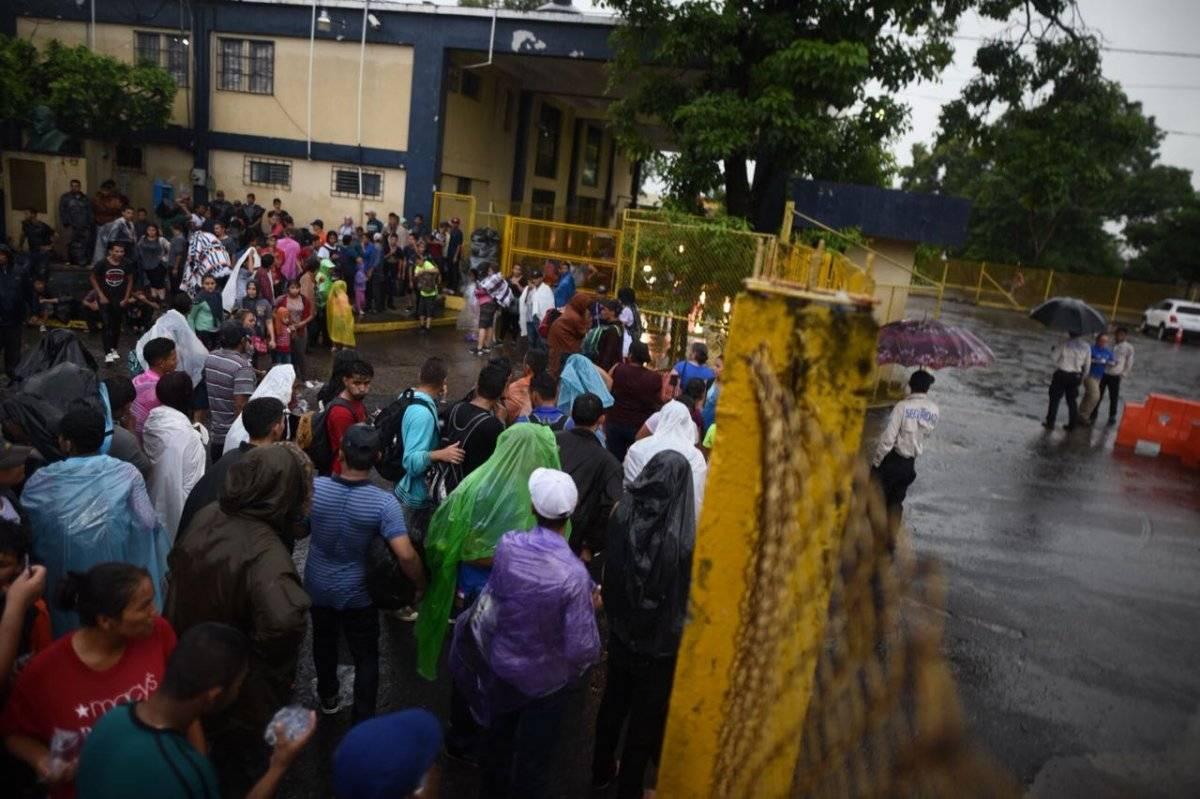 Migrantes deberían pedir asilo en México y no en EU: Donald Trump