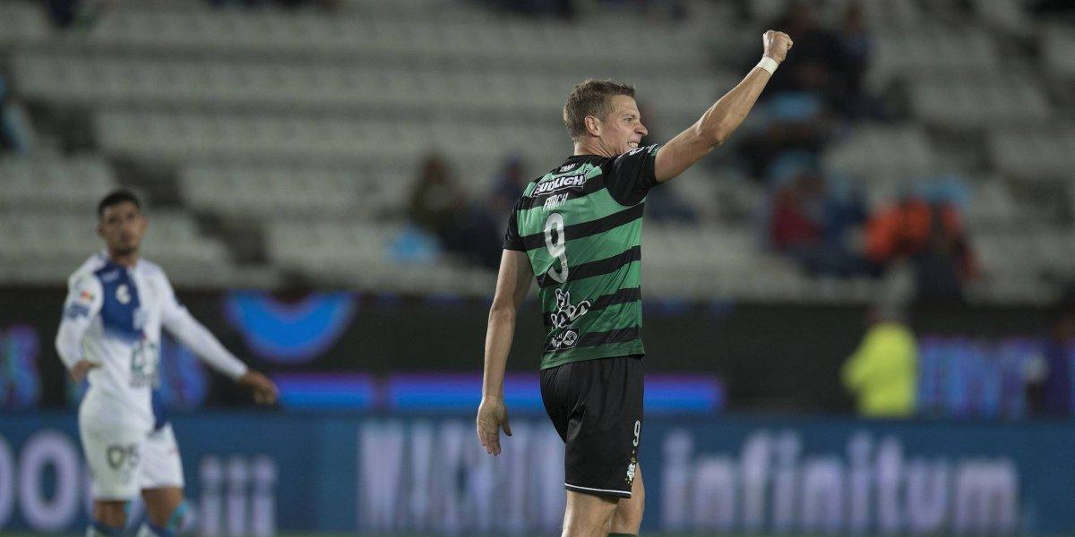 Julio Furch le da el empate a Santos