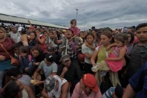 Peña Nieto coordina ayuda a caravana con presidentes de Guatemala y Honduras