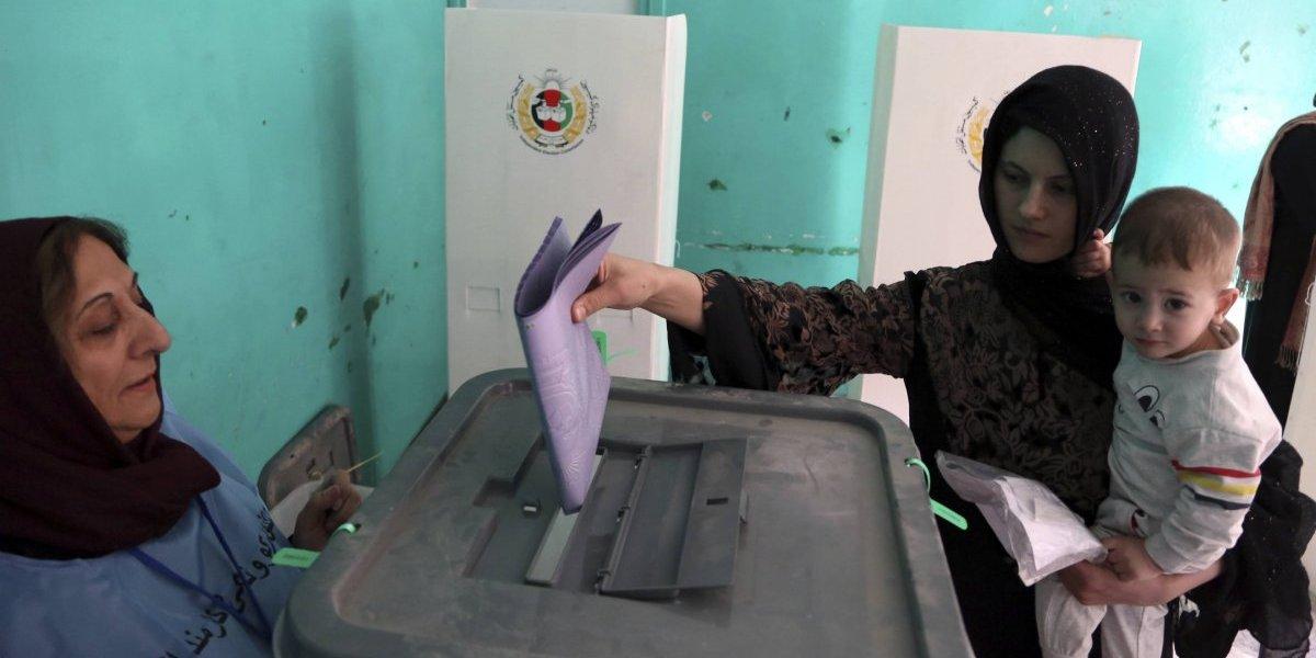 Jornada electoral en Afganistán dejó al menos 67 muertos y 126 heridos