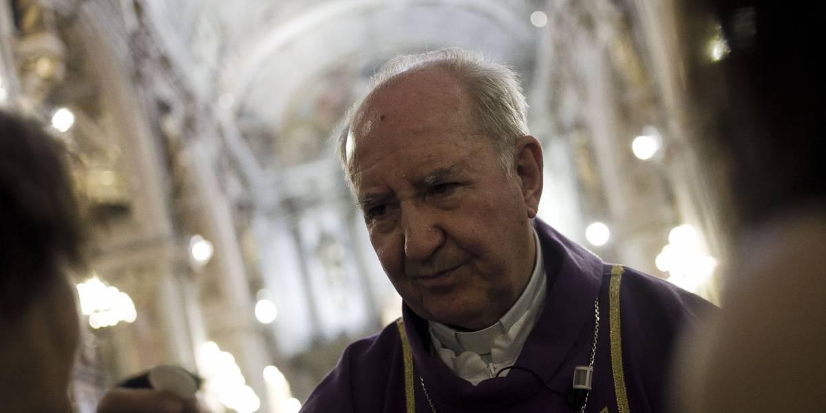 """Director de Colegio San Francisco defiende a Errázuriz: """"no ha sido imputado y sigue contando con todo el respaldo del Papa"""""""