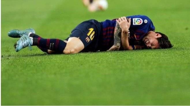 Messi se lesionó el radio a una semana del clásico y estará fuera por tres semanas EFE