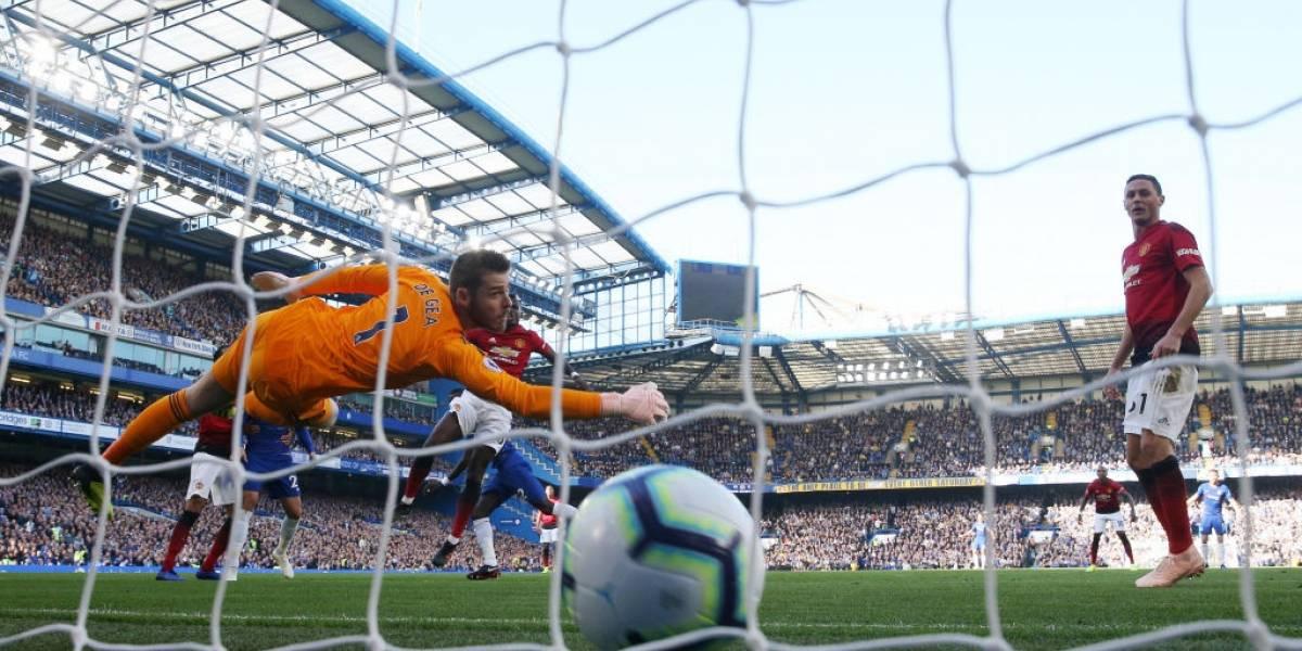 Alexis estuvo solo diez minutos en el amargo empate del Manchester United ante el Chelsea