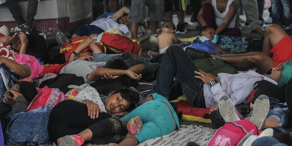 Caravana migrante pernocta en Parque Bicentenario de Tapachula