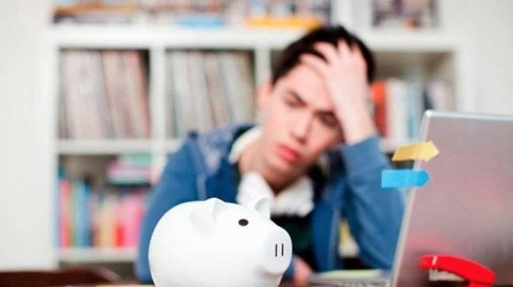 El 33.9% de las mujeres del país ahorran de manera informal: alcancías, tandas o de bajo del colchón; contra 30.9% de los hombres / Getty Images