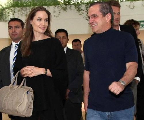 Angelina Jolie con el excanciller, José Patiño Internet