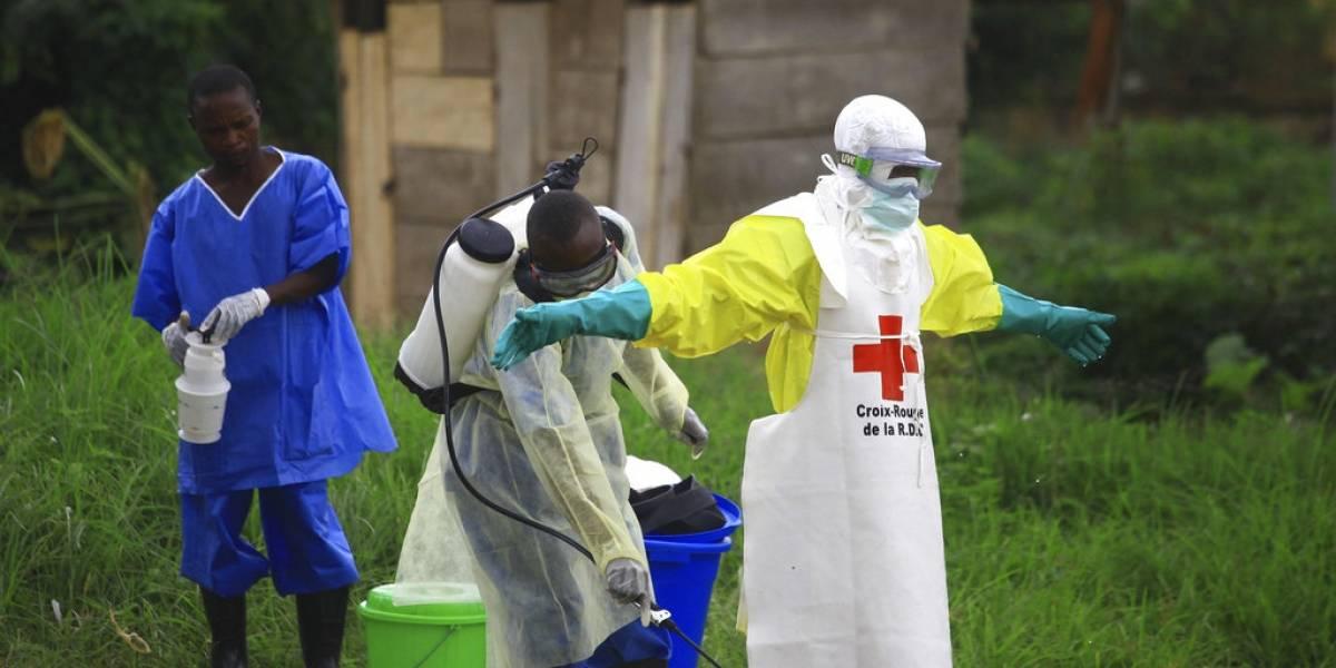 Rebeldes atacan región con brote de ébola