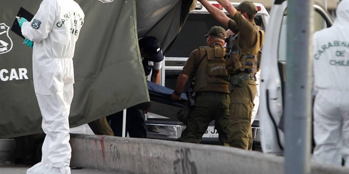 Hallan cadáver en canal de regadío en Colina: a un costado de la autopista Los Libertadores