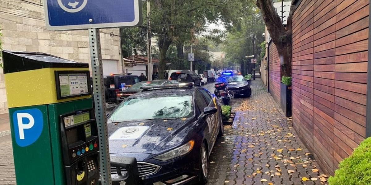 Muere custodio en ataque armado afuera de la casa de Norberto Rivera