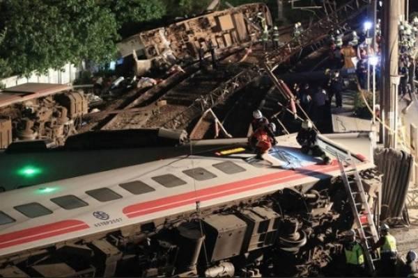 Taiwán: Al menos 22 muertos y 171 heridos en accidente de tren