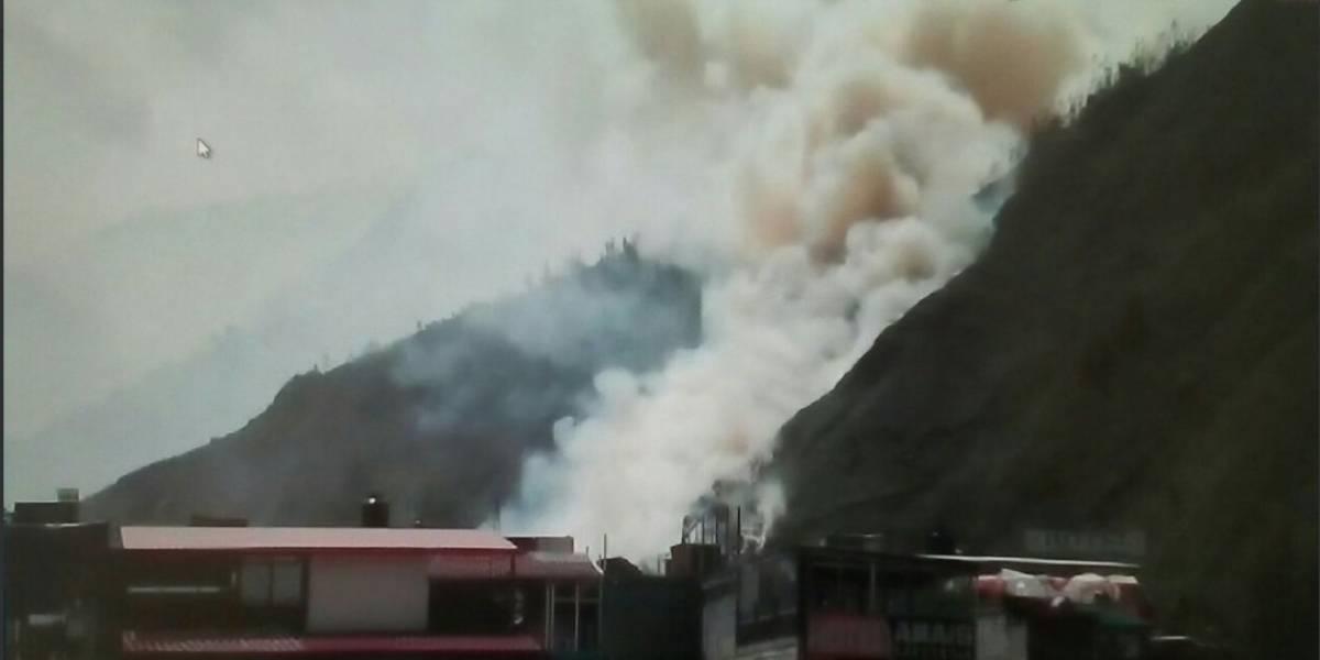 Incendio forestal alcanza zoológico de Baños, Tungurahua