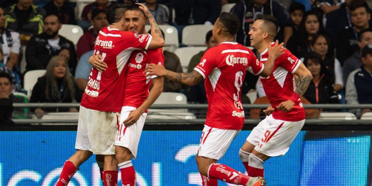 Chilenos en México: Osvaldo González hizo un gol por Toluca y Sagal fue titular en empate del Pachuca