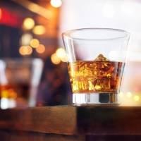 Gobernadora prohíbe la venta de bebidas alcohólicas los sábados y domingos