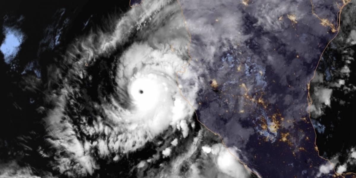 Extremadamente peligroso huracán Willa cerca de ser categoría 5