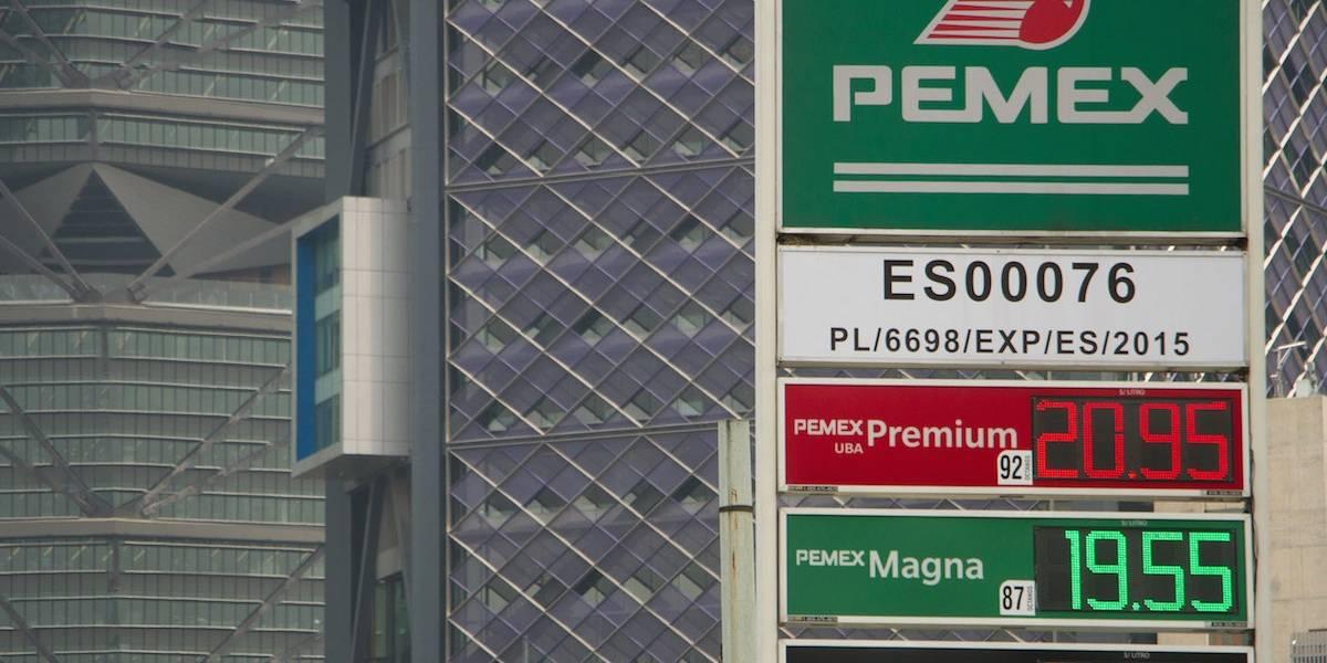 Busca Acción Nacional reducir a la mitad impuesto en gasolinas